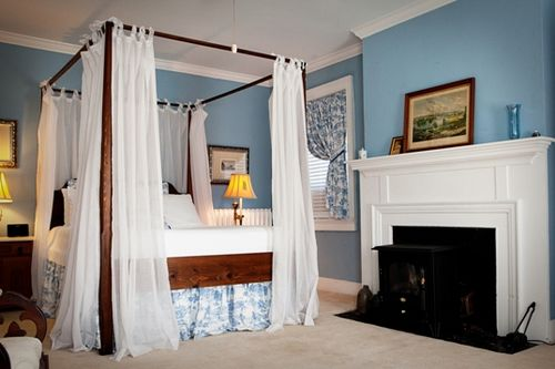 Woulfe_-_Blue_Room_bed_and_fireplace_-_small